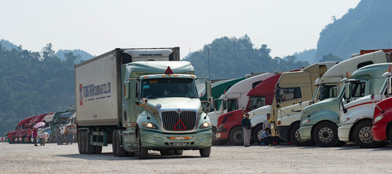 Hơn 1.100 xe hàng vẫn tồn ở biên giới phía Bắc