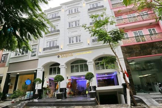 Thêm khách sạn miễn phí chỗ ở cho nhân viên y tế tuyến đầu chống dịch