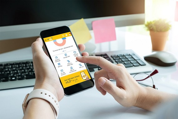 PVcomBank là nhà băng tặng lãi suất khủng nhất hiện nay khi cộng tới 0,3% lãi suất cho khách hàng khi gửi tiết kiệm online
