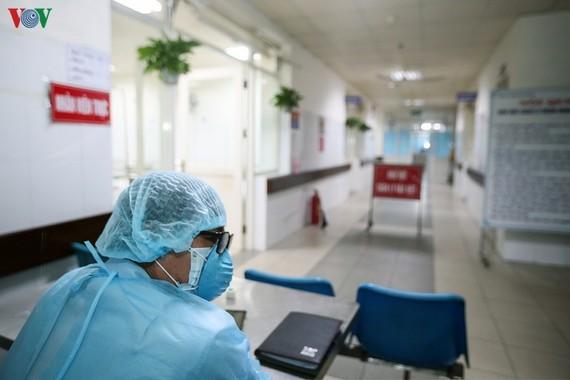 Cách ly toàn bộ Bệnh viện Thận Hà Nội vì có BN 254 đang chạy thận