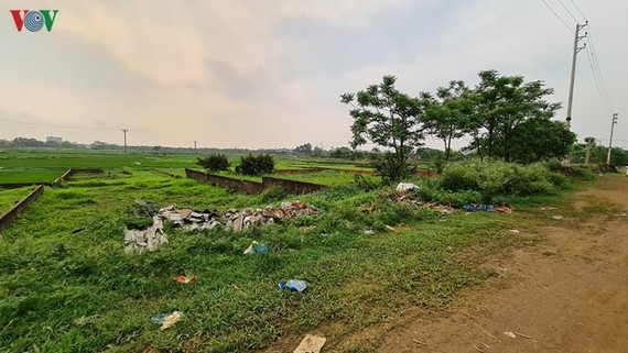 """Những lô đất sát ruộng ởQuan Giai, xã Trúc Đồng (huyện Thạch Thất)được các """"cò"""" thổi giá lên 5-6 lần."""