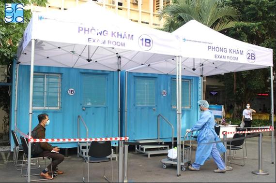 Phòng khám sàng lọc tại Bệnh viện ĐH Y dược TP.HCM để ứng phó với nguy cơ lây bệnh. Ảnh: Bệnh viện cung cấp.