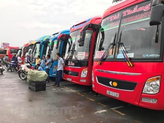 Các doanh nghiệp vận tải sẽ đỡ được phần nào về gánh nặng chi phí nếu đề xuất miễn giảm 3 tháng phí bảo trì đường bộ được thông qua. (Ảnh: Việt Hùng/Vietnam+)