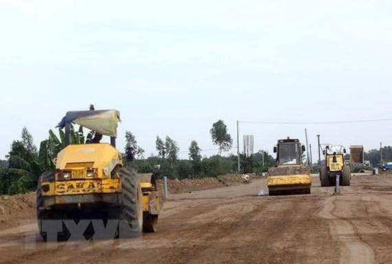 Các dự án cao tốc Bắc-Nam đã giải phóng trên 70% mặt bằng toàn tuyến. (Ảnh: Huy Hùng/TTXVN)