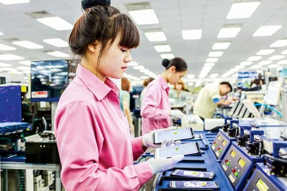 Dây chuyền sản xuất Samsung Việt Nam tại Thái Nguyên. Ảnh: VIẾt CHUNG
