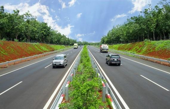 Kiến nghị mở rộng tuyến đường cao tốc TPHCM-Long Thành-Dầu Giây