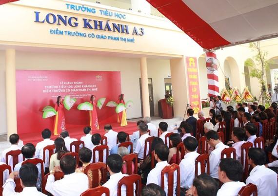 Quang cảnh trường tiểu học Long Khánh A3 – Điểm trường Cô giáo Phan Thị Nhế trong ngày khánh thành