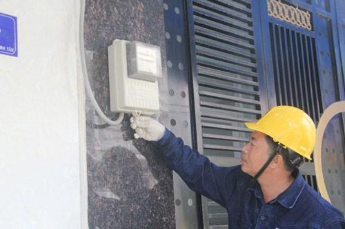 Điện lực phúc tra khách hàng có chi phí điện tăng, giảm bất thường