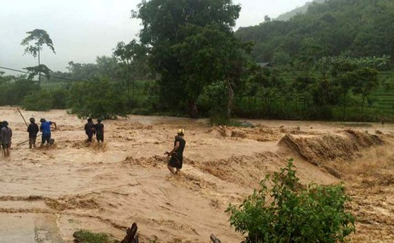 Ứng phó mưa lũ và động đất