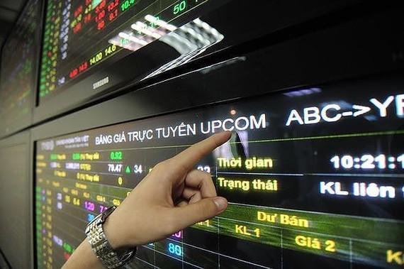 UPCoM vượt mốc 900 doanh nghiệp