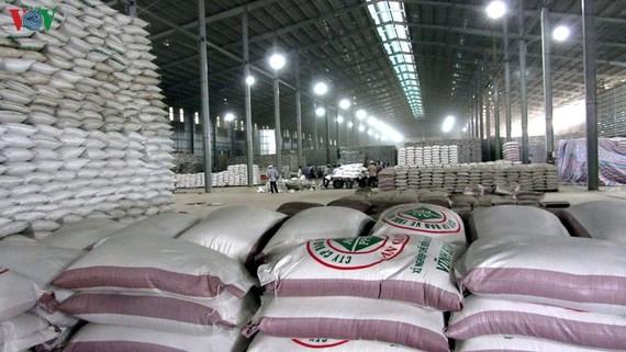 Để tránh những thiệt hại không đáng có các doanh nghiệp cần gia tăng tính cảnh giác, cẩn trọng trong hoạt động xuất nhập khẩu.