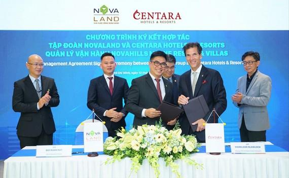 Đại diện của Tập đoàn Novaland và Centara Hotels & Resorts tại buổi ký kết hợp tác.