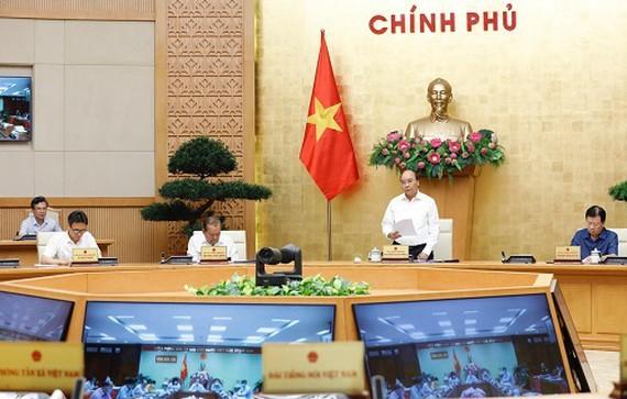 Thủ tướng chủ trì cuộc họp về chống dịch Covid-19 ngày 29-7. Ảnh: QUANG PHÚC