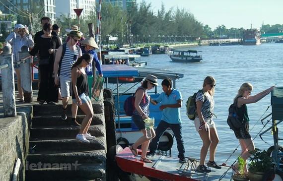 Bến Ninh Kiều, Cần Thơ thời điểm chưa có dịch COVID-19. (Ảnh: Mai Mai/Vietnam+)