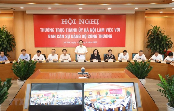 Bí thư Thành ủy Hà Nội Vương Đình Huệ phát biểu. (Ảnh: Văn Điệp/TTXVN)