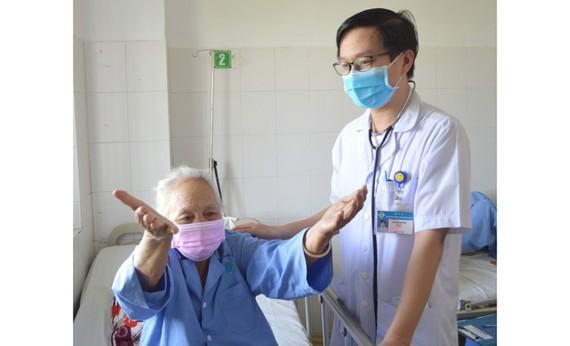 Cụ bà 88 tuổi đã sinh hoạt bình thường sau khi cấp cứu thành công