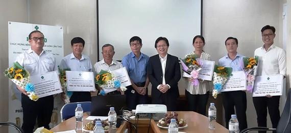 Bệnh viện Mắt Sài Gòn Cần Thơ hỗ trợ các đơn vị ở ĐBSCL nhiều suất phẫu thuật mắt miễn phí…