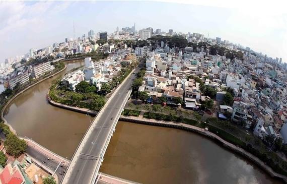 Kênh Nhiêu Lộc-Thị Nghè. (Ảnh: Mạnh Linh/TTXVN)