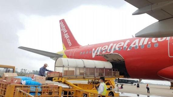 Vietjet trích 10.000 đồng trên mỗi vé bay ủng hộ miền Trung