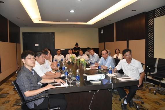 Đại diện UBND tỉnh Bình Thuận trong buổi làm việc với đại diện Tập đoàn Novaland và Bệnh viện Đại học Y Hà Nội