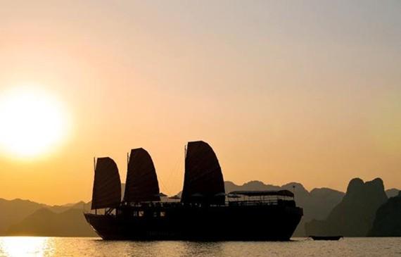 Di sản Vịnh Hạ Long là điểm đến không thể thiếu trong mỗi hành trình khám phá Việt Nam của du khách thế giới. (Ảnh: CTV/Vietnam+)