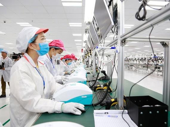 Một nhà máy sản xuất thiết bị điện tử tại Khu công nghệ cao Hòa Lạc