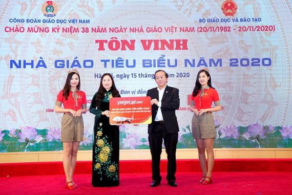 2 triệu vé 0 đồng tri ân ngày Nhà giáo Việt Nam 2020