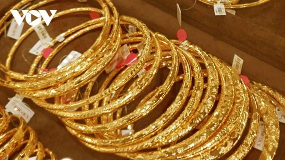 Giá vàng SJC bán ra đầu phiên sáng 19/1 duy trì ở mức 56,45 triệu đồng/lượng.
