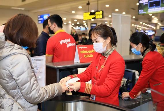 Vietjet khuyến mại 100.000 vé giá 0 đồng tặng kèm cước hành lý ký gửi