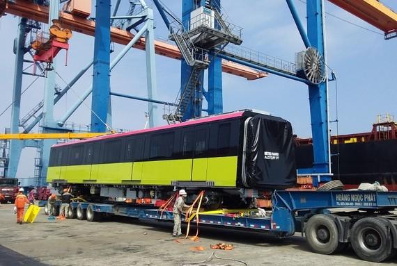Đoàn tàu metro thứ hai đã về tới cảng Hải Phòng sáng 5/2/2021