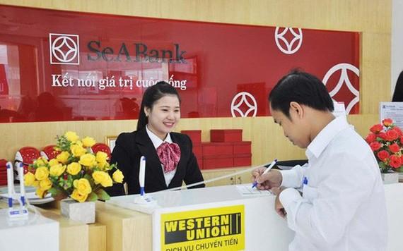 SeABank tặng quà khách hàng nhân Ngày Phụ nữ 8-3
