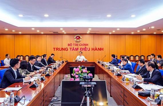 Bộ Tài chính vào cuộc, HoSE phải phối hợp với FPT để giải quyết việc nghẽn lệnh.