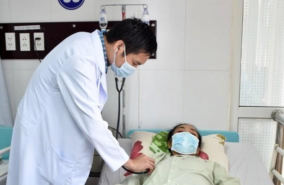 Bệnh viện Đa khoa tỉnh Sóc Trăng vừa phẫu thuật cắt thành công khối áp xe phổi khổng lồ 20x25 cm cho nữ bệnh nhân 44 tuổi – TUẤN QUANG