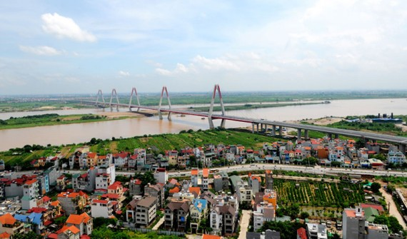 Dự thảo đồ án quy hoạch phân khu đô thị hai bên bờ sông Hồng là một trong những vấn đề đang được dư luận quan tâm (Ảnh minh họa: KT)