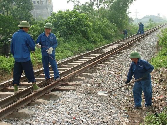 Hàng nghìn công nhân đường sắt đang bị chậm lương