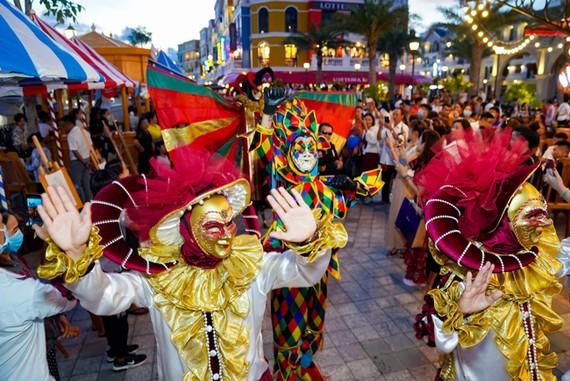 Phú Quốc United Center rực rỡ đón hàng vạn du khách ngày khai trương