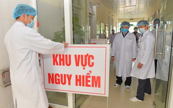 Thêm 1 ca COVID-19 mới, ngồi cùng chuyên gia Trung Quốc chuyến bay Đà Nẵng - Hà Nội