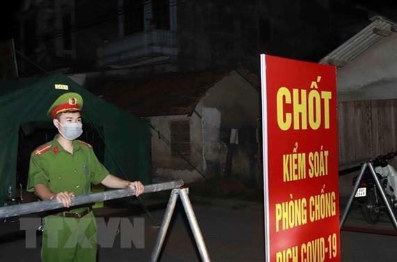 Một chốt kiểm soát dịch tại Vĩnh Phúc. (Ảnh: Hoàng Hùng/TTXVN)