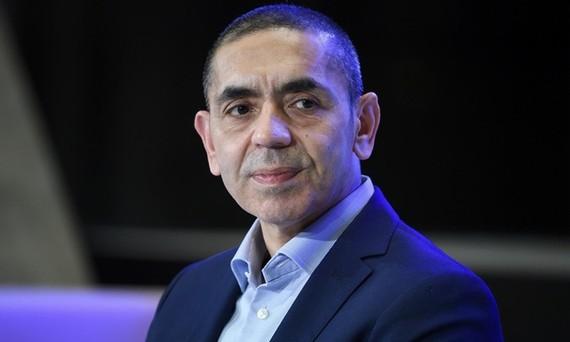 Ugur Sahin, nhà đồng sáng lập BioNTech, dự một sự kiện ở Berlin, Đức hồi tháng 3. Ảnh: AP.