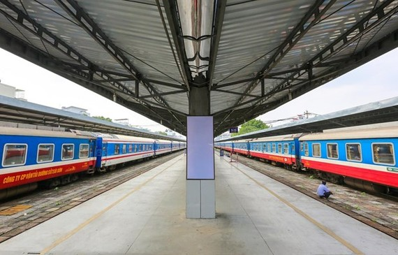 Đoàn tàu của Tổng công ty Đường sắt Việt Nam tại ga Hà Nội. (Ảnh: Minh Sơn/Vietnam+)