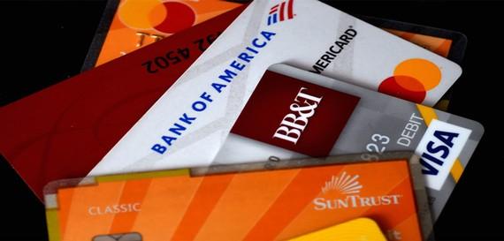 Mỹ: Các ngân hàng nới lỏng hạn chế với thẻ tín dụng