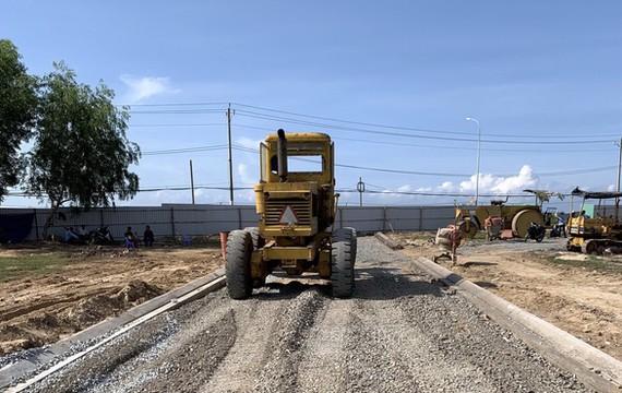 Một vụ phân lô đất nông nghiệp ở phường 12, TP Vũng Tàu, bị chính quyền phát hiện và cưỡng chế - Ảnh: ĐÔNG HÀ
