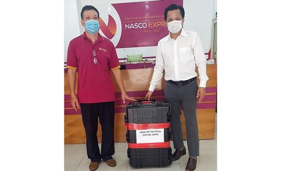 Máy X Quang được Vietnam Airlines và đon vị thành viên NASCO tổ chức chuyển phát tốc hành miễn phí từ TPHCM ra Hà Nội