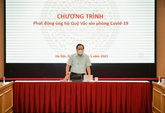Chủ tịch Ủy ban Quản lý vốn nhà nước tại doanh nghiệp Nguyễn Hoàng Anh phát động chương trình ủng hộ Quỹ vaccine phòng COVID-19. (Nguồn: cmsc.gov.vn)