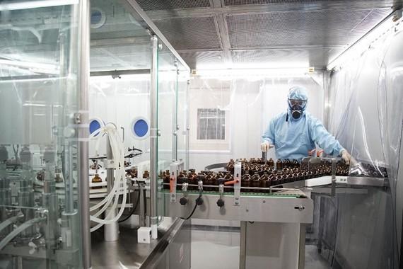 Dây chuyền sản xuất thuốc thú y tại Anova JV – công ty thành viên thuộc Tập đoàn Anova.