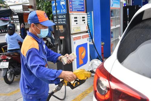 Điều tiết giá xăng dầu kiểm soát lạm phát