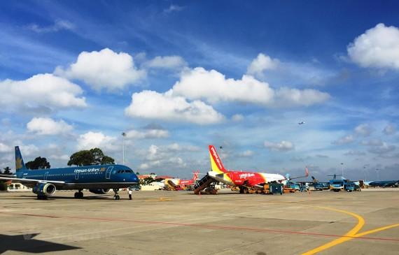 Máy bay của các hãng hàng không tại một sân bay. (Ảnh: Việt Hùng/Vietnam+)