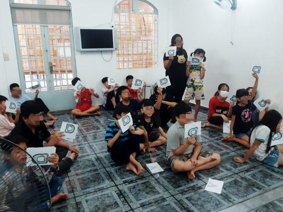 UBND TP.HCM yêu cầu các quận huyện và TP.Thủ Đức tổ chức rà soát, lập danh sách trẻ em mồ côi vì Covid-19