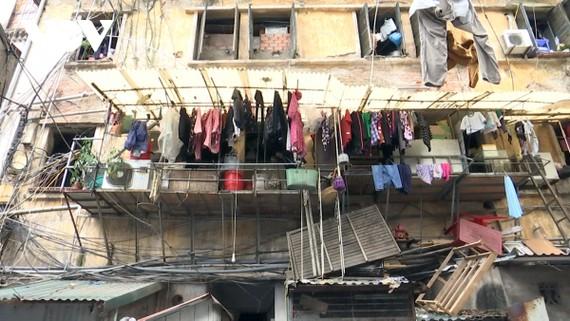 Các chung cư cũ cấp D (chung cư nguy hiểm) và một số cụm khu chung cư cũ sẽ đứng đầu danh sách trong kế hoạch cải tạo xây dựng mới của thành phố Hà Nội.