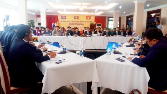 Quang cảnh Hội nghị Quan chức Cấp cao Som Khu vực Tam giác phát triển Campuchia - Lào - Việt Nam sáng 19- 12      